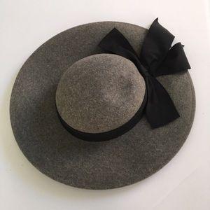 1940s Vintage 100% Wool Hat designed by Ernie